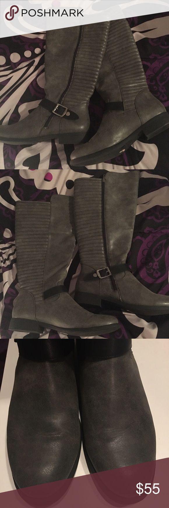 Brand new!!! Women's stylish sz 12 grey boots 🌹 NWOT Women's sz 12 grey boots never worn! Zip up! 🌻 with 1 inch heel 🌹 Nicole Shoes Heeled Boots