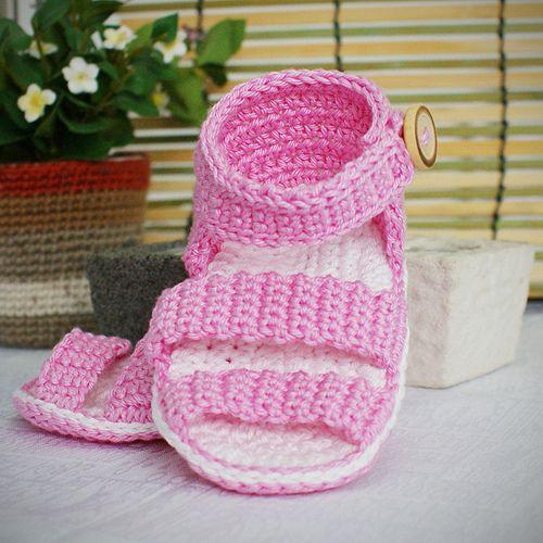 Crochet Booties For Baby - Learn to Crochet - Crochet Kingdom