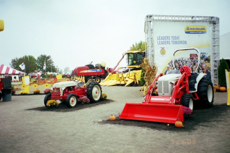 Tow Truck Saskatoon >> 219 best images about Other tractors and Tractor Shows on Pinterest | John deere, Four wheel ...