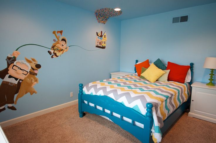 Disney UP themed room. Bright and cheery with an amazing mural! This is Andy's House vrbo.com/476706