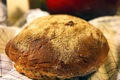 Et Surbrød er brød lavet på surdej, rug, kernemælk og smør. Det er et karakteristisk brød, man ikke glemmer smagen af.