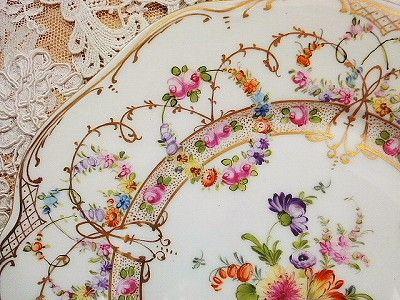 ドレスデン・プレート - イギリスとフランスのアンティーク | バラと天使のアンティーク | Eglantyne(エグランティーヌ)