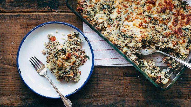 Hawaiian Pizza Quinoa Casserole...  It's Hawaiian pizza in casserole form, complete with ham, pineapple and nutritious quinoa.  This recipe looks & sounds amazing, looking  forward to making this one soon!