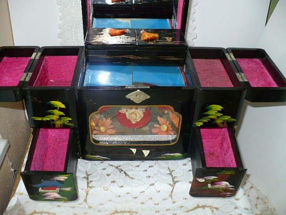 Wooden Jewelry Box With Lock Japanese Jewelry Box Ballerina Music Box Sukiyaki song Ready for your gift occasion Visit our Etsy shop at: www.etsy.com/shop/pioneerfundraiser