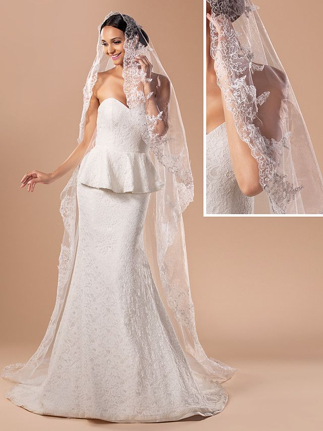 Gorgeous One-tier Cathedral Wedding Veil With Lace Applique Edge - USD $29.99