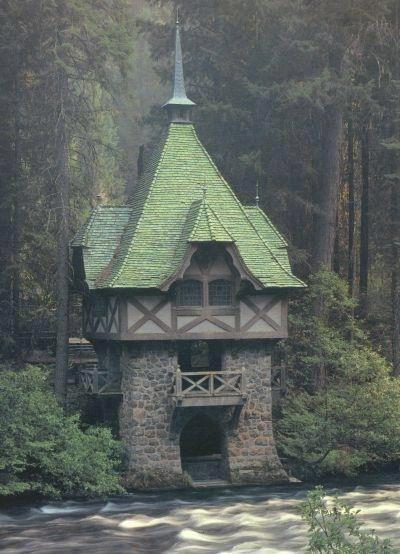 Mcloud House Tea Room