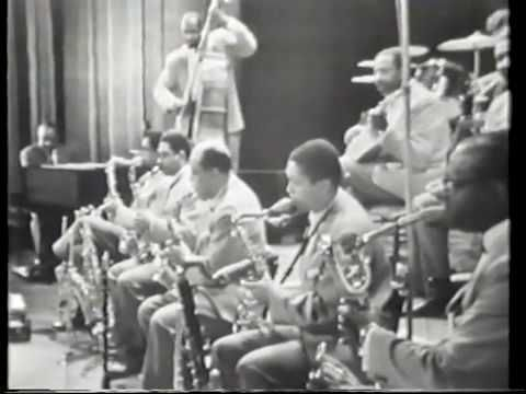 Count Basie Orchestra featuring Thad Jones,Frank Wess & Billy Mitchell 1...