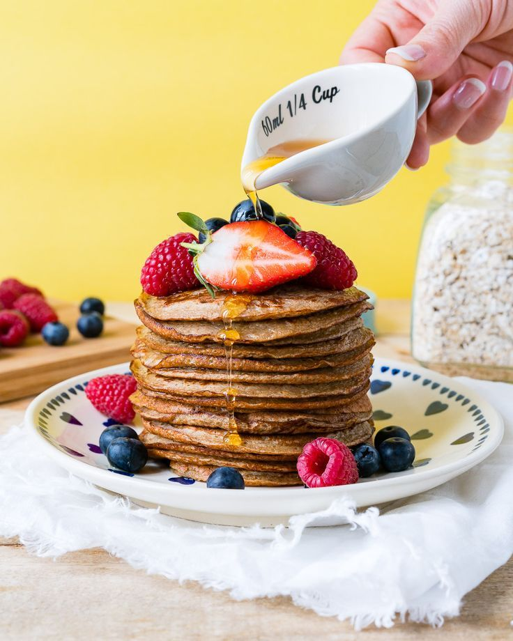 These Yummy Oatmeal Protein Pancakes are a Clean Eaters Dream! - Clean Food Crush