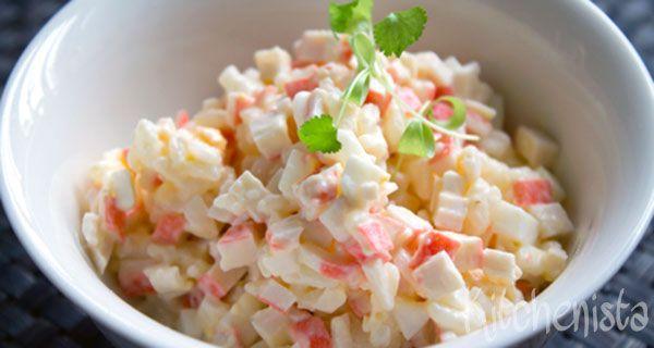 Krabsalade ken je vast wel uit de supermarkt. Echter bevat nagenoeg geen enkele salade echte krab, maar zijn ze vooral gemaakt van surimi (witvis met een krabsmaak). Is ook logisch want echt krabvl…
