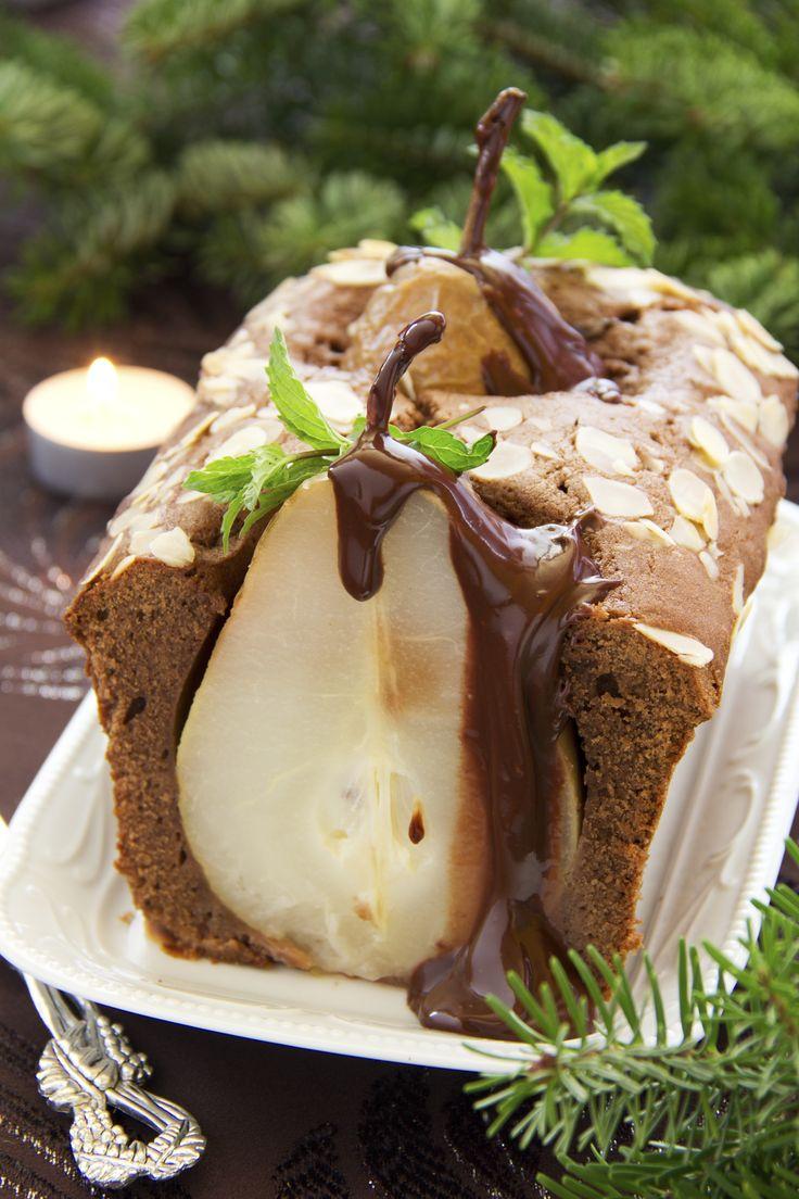 Chocolate Pear Bread - Special occasion idea or gift.  Receta de Panqué de Chocolate con Pera