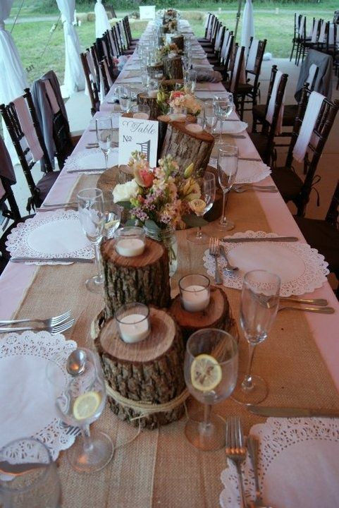 Creative use of wooden log and disk for wedding decoration