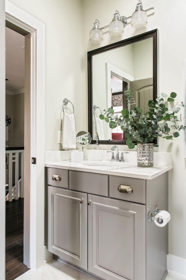 17 best ideas about hall bathroom on pinterest tub for Small hallway bathroom ideas