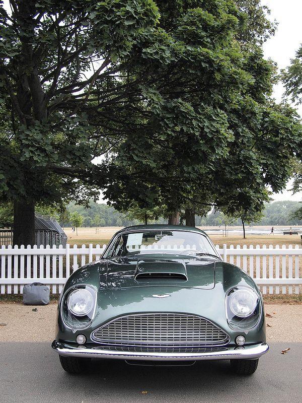 Aston-Martin-DB4-GT-Zagato