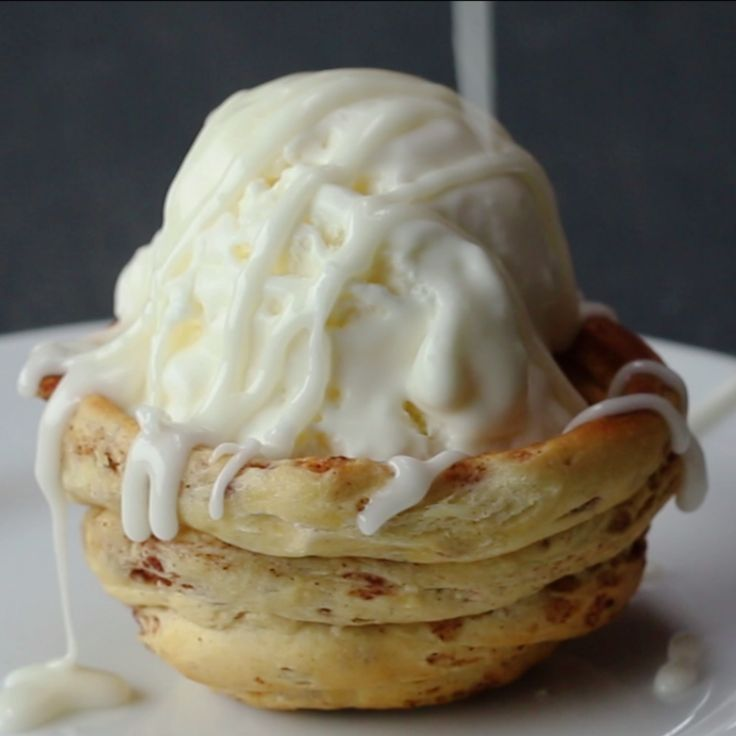 Cinnamon Roll Ice Cream Bowl