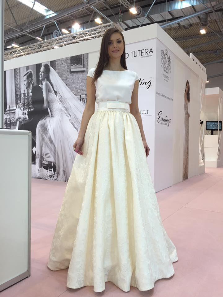 Štýlové svadobné šaty od Tina Valerdi