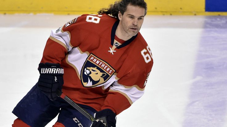 The ageless Jaromir Jagr, 45, hasn't yet received an offer from an NHL team this offseason, despite a desire to continue his professional hockey career at the highest level.The Florida Panthers have opted not to bring back Jagr, despite the fact he remai