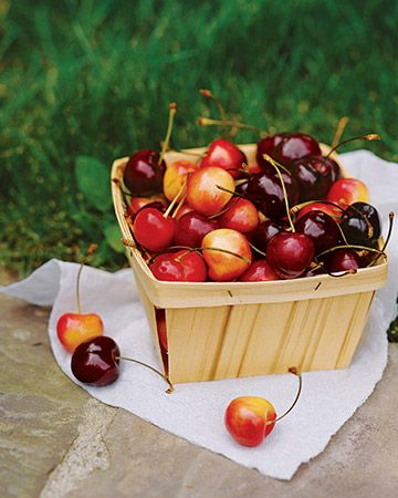 "Slide show of 25 ""Cherry Recipes"" - Summer Seasonal Produce Recipe Guide from Martha Stewart.: Produce Recipes, Cherries Recipes, Food, Stores Summer, Seasons Produce, Summer Produce, Martha Stewart, Stones Fruit, Recipes Guide"