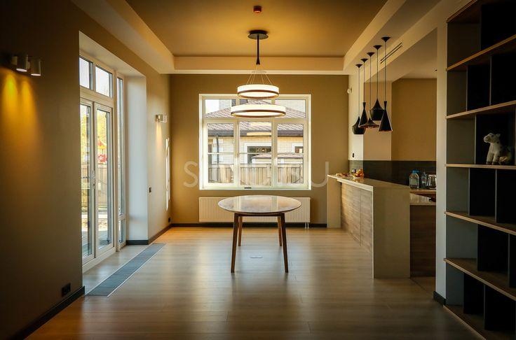 Стол UFO Элегантный овальный стол измассива дуба сутоньшенными краями длякухни‑гостиной. Подробнее здесь: http://amp.gs/TELx #стол #столешница #кухня #гостиная #дизайнинтерьера #мебель #мебельназаказ #slab #издерева #мебельиздерева #interior #eco