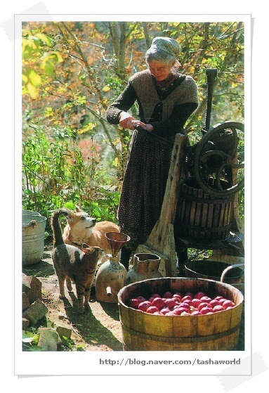 Tasha Tudor. I would have LOVED to live this type of lifestyle.... too late?