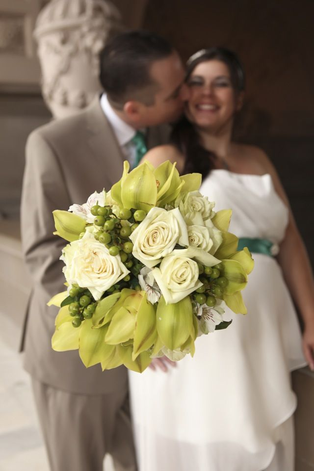 adorable! #sanfranciscocityhallphotographer #maternitywedding #sfcityhallwedding www.rachellevinephoto.com