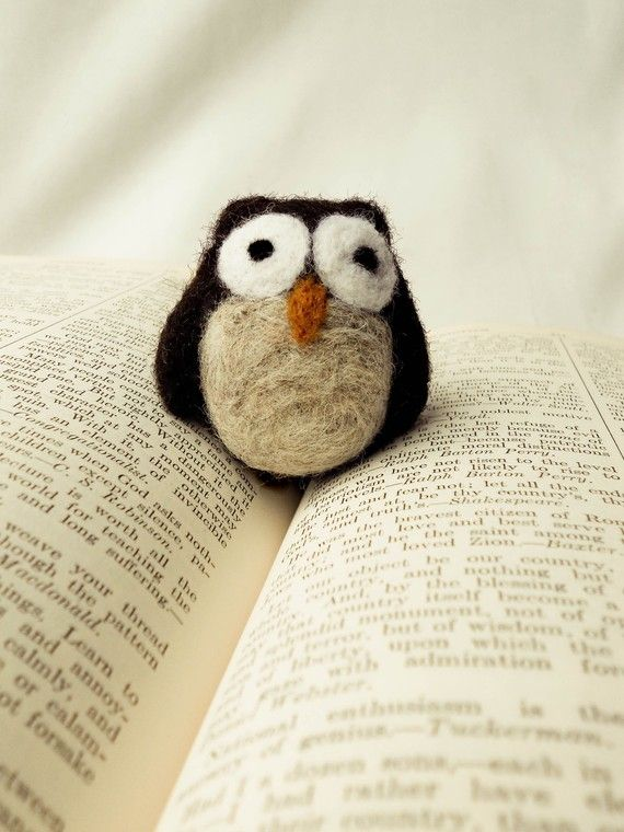 felt owl! so cute! And I think I could actually make this one :)