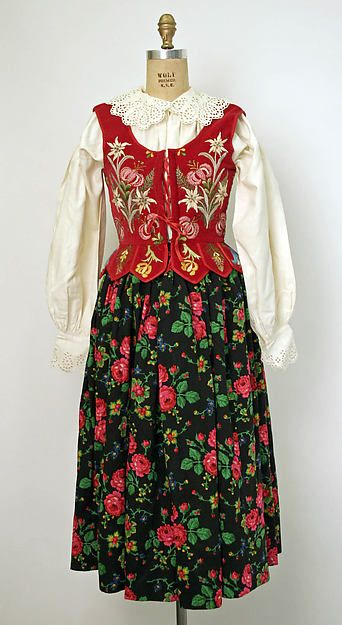 Poland, woman's ensemble, embroidered wool, embroidered linen (undercloth), silk, before 1950 ; I'm wondering if the bodice is actually Polish, the edelweiss is rather an Austrian Tyrolean traditional motif.
