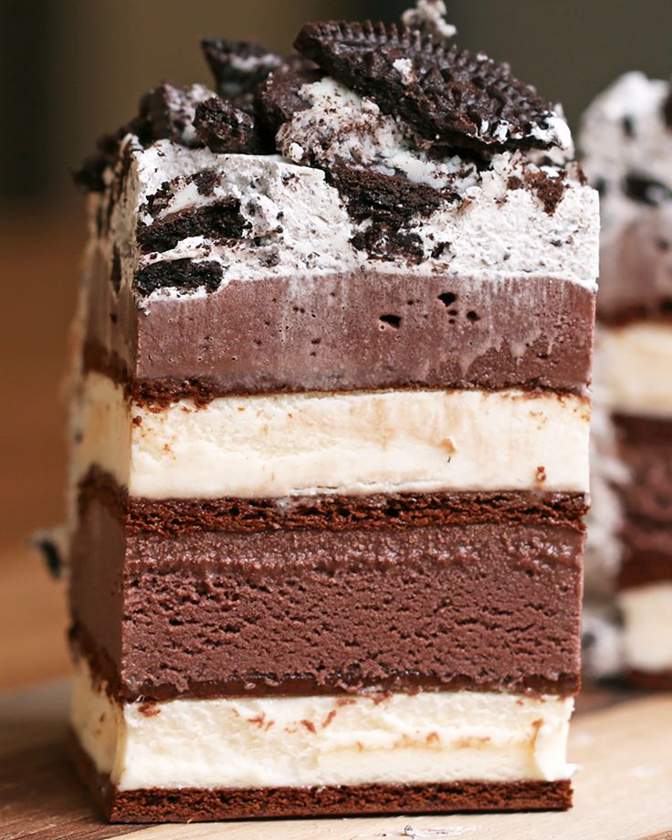 how to make ice cream cake with ice cream sandwiches