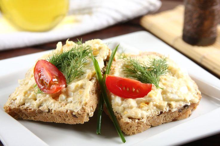 Sprawdzony przepis na Kanapka z pastą jajeczną i chrzanem . Wybierz sprawdzony przepis eksperta z wyselekcjonowanej bazy portalu przepisy.pl i ciesz się smakiem doskonałych potraw.