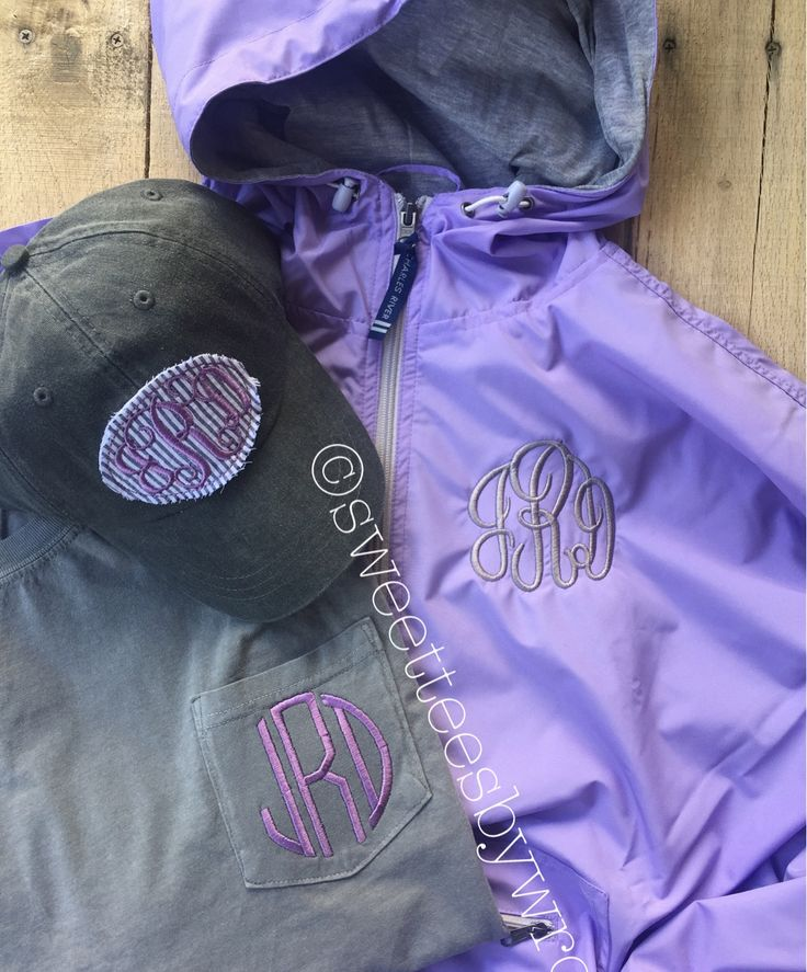 Another one of our awesome Charles River Rain Jacket Bundle Deals! Your choice of monogrammed jacket, tee & frayed patch cap! Contact us to order your bundle deal today! #charlesriverrainjacket #bundledeal #rainjacket #monogrambox #comfortcolors