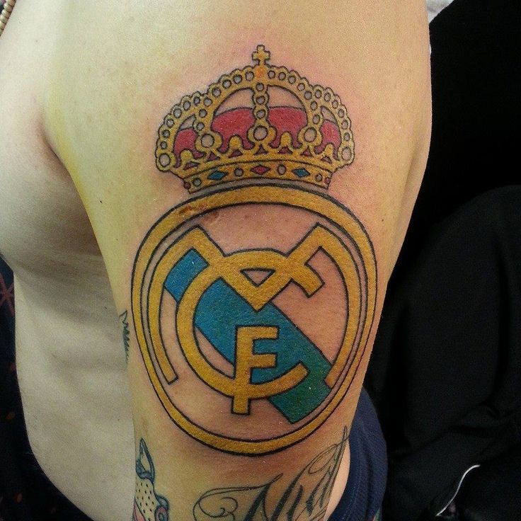 Clean colorful real madrid logo by a r t graduate nao for Real madrid tattoos