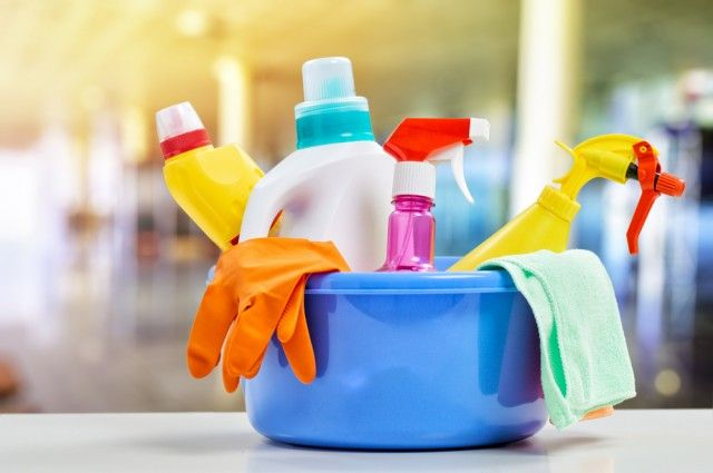 Detersivi fai da te con aceto - Come utilizzare l'aceto per le pulizie di casa, un prodotto naturale ed economico e soprattutto rispettoso dell'ambiente.