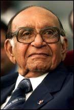 Ruim vijftig jaar lang speelde Jagernath Lachmon een belangrijke rol in de Surinaamse politiek. klik voor meer info.