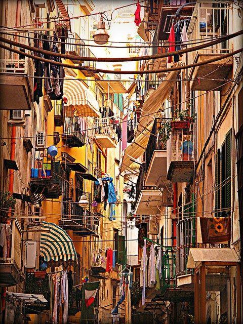 Naples, Italy - Nápoles, Itália.