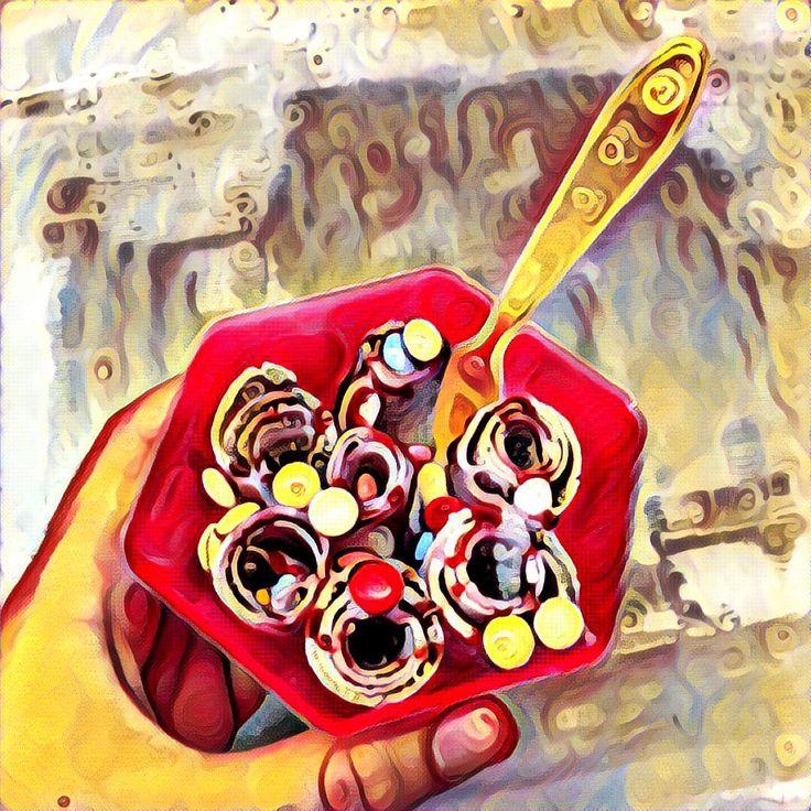 """""""La #fantasia è quella cosa che certe persone non riescono neanche a immaginare."""" cit. Gabriel Laub  #mashcream 🌀 #gelato 😋 #estate ☀️"""