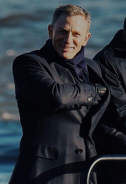 """katekier: """" Daniel Craig  """""""