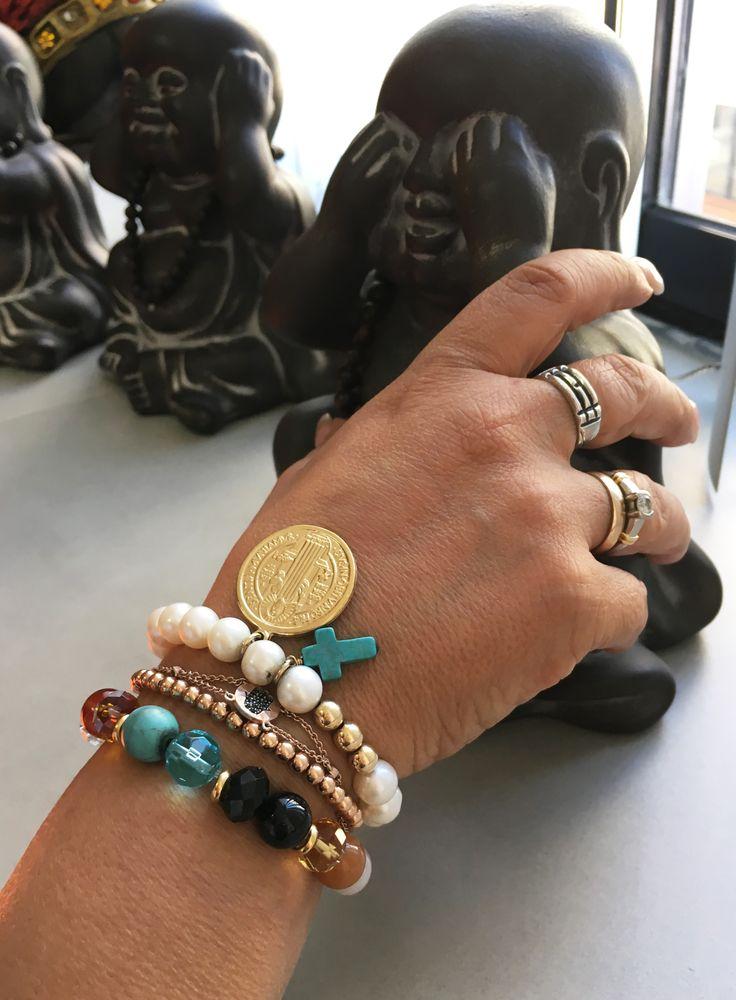 Pulseras Feng Shui, ojo turco, 7 chacras y San Benito con perlas y piedra Turquesa. ¡Hermosísimas!
