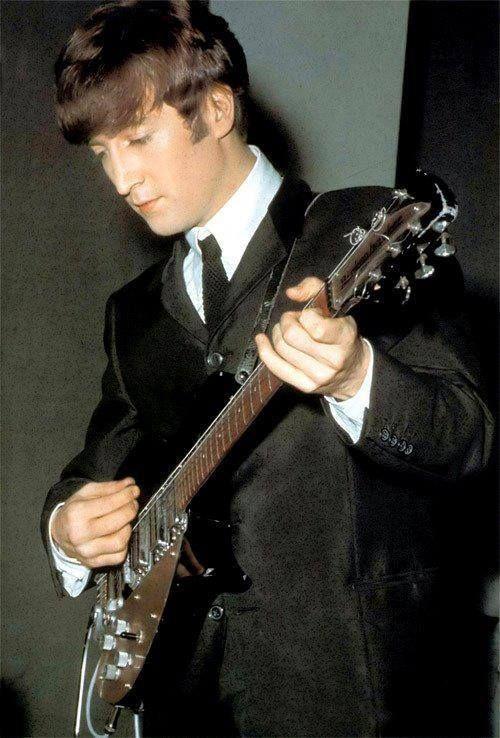 33 anos sem John Lennon