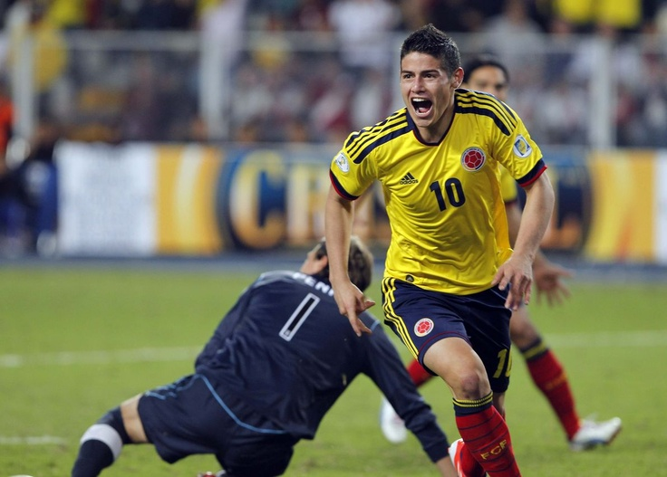 Celebrando la goleada a Uruguay