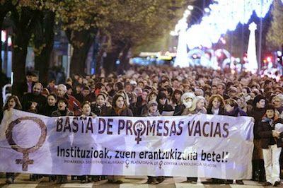 Dos mujeres heridas tras ser apuñaladas en plena calle en Gran Canaria y Palencia. EP | Noticias de Navarra, 2017-03-04 http://www.noticiasdenavarra.com/2017/03/04/sociedad/estado/dos-mujeres-heridas-tras-ser-apunaladas-en-plena-calle-en-gran-canaria-y-palencia