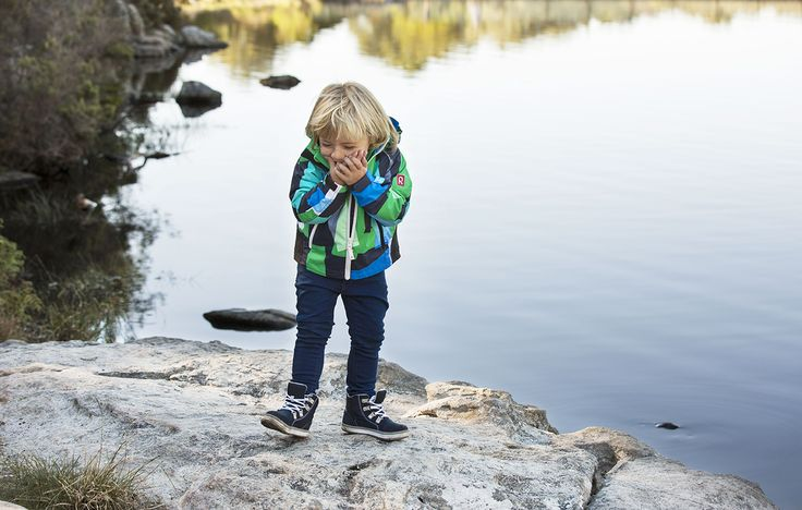 Out into spring! Spring is the season for new adventures, and kids want to enjoy it to the full. Boy:Sonolite jacket, Reimatec® Wetter shoes