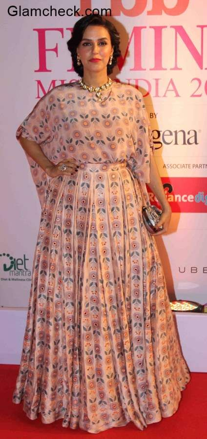 Neha Dhupia in Payal Singhal at the Grand Finale of Femina Miss India 2015
