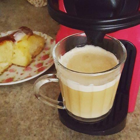 Primeiramente fora Temer  o caf!  butfirstcoffee gordelcias bomdiahellip