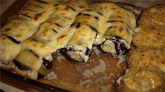 Вкусные и сытные рулетики из баклажанов с куриным фаршем можно подавать в качестве закуски или второго блюда. Подойдут и в качестве праздничного блюда