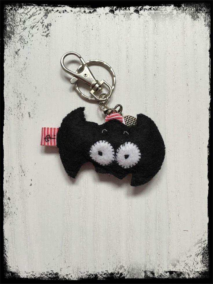 filcowy breloczek nietoperz / felt bat keychain
