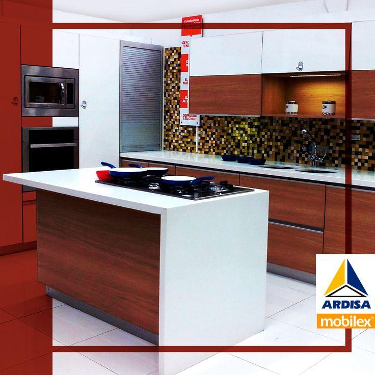 Una cocina amplia con diseño innovador. #ardisa #aniversario #casa #diseño #cocina