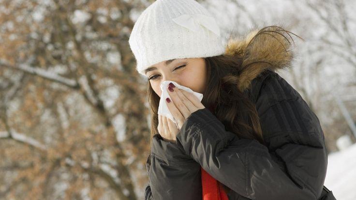 7 grandes remedios caseros para acabar con el dolor de garganta (y sin medicamentos). Noticias de Alma, Corazón, Vida. El buen tiempo que se ha podido disfrutar durante las últimas semanas nos ha hecho olvidarnos de los catarros, pero no cabe ninguna duda de que volverán