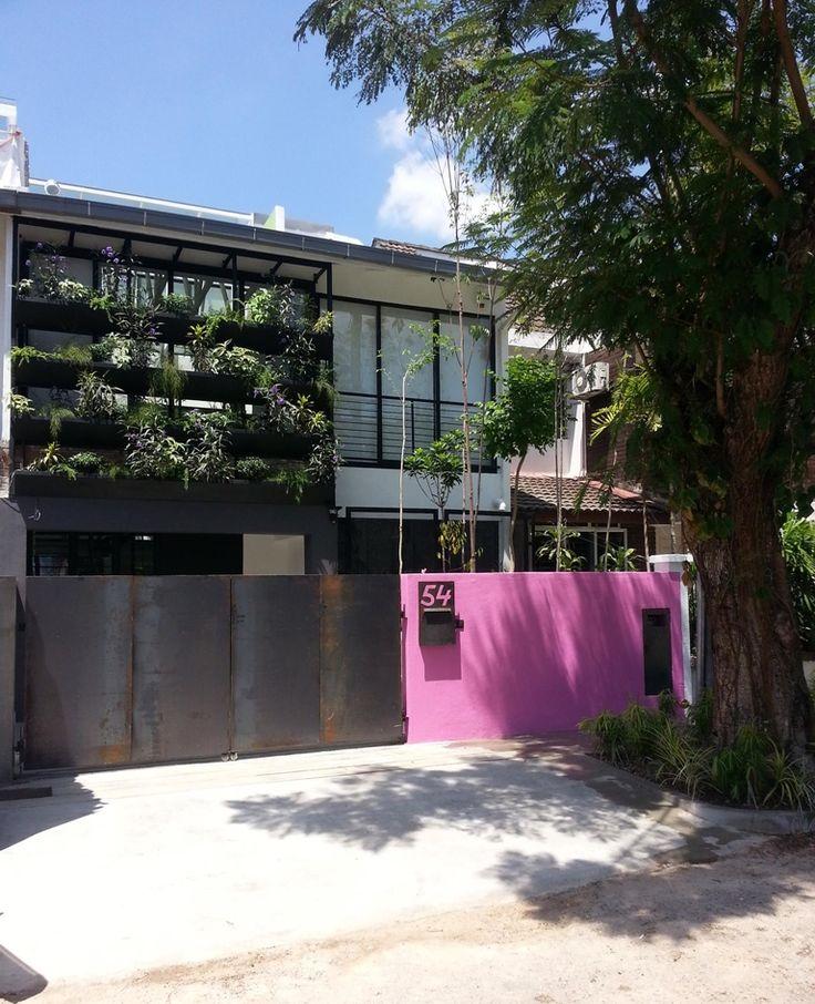 Intriguing sri hartamas terrace design by jtj design for Exterior facade design