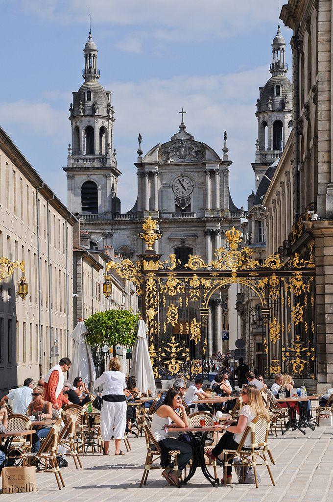 Place Stan' vue sur la cathédrale ©Regine Datin / Nancy Tourisme