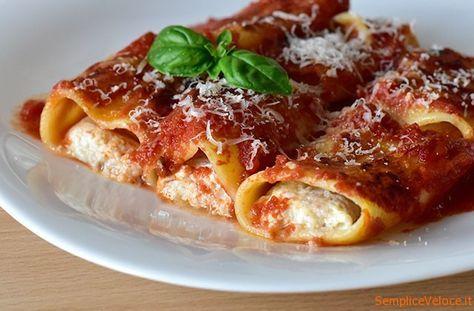 Paccheri ripieni alla sorrentina questa ricetta sfrutta la capienza dei paccheri per contenere un gustoso ripieno di ricotta,prosciutto e mozzarella
