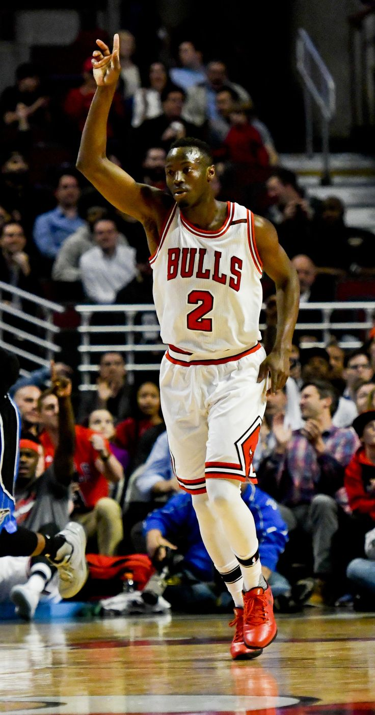 Jerian Grant has created an intriguing issue for Bulls coach Fred Hoiberg should Rajon Rondo return from his sprained right wrist for the playoffs.